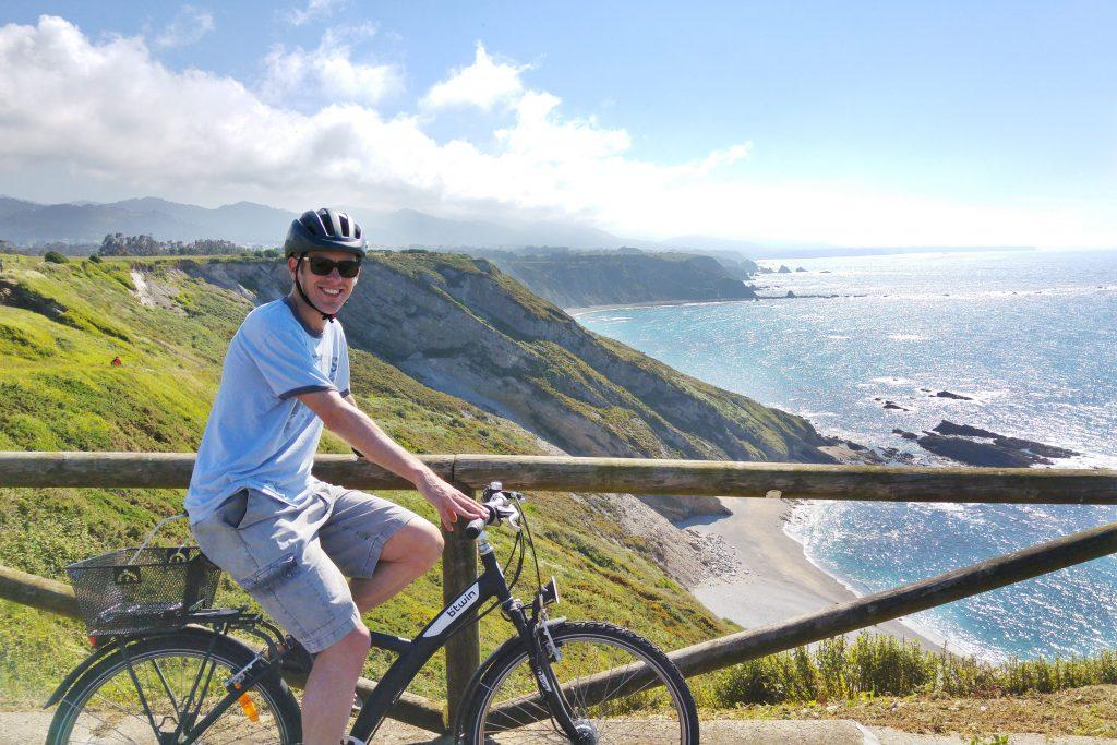 The coastline in Ovinana. I should have stayed on my bike...